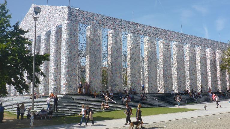 documenta, Führung und Management